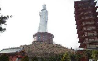Какой самый высокий памятник в мире?