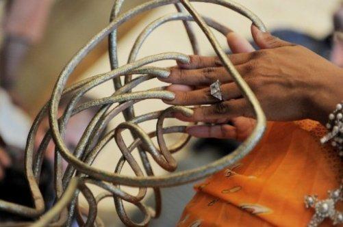 Самые большие ногти в мире - насколько они длинные?
