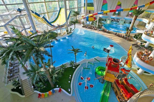 Самый большой аквапарк в москве