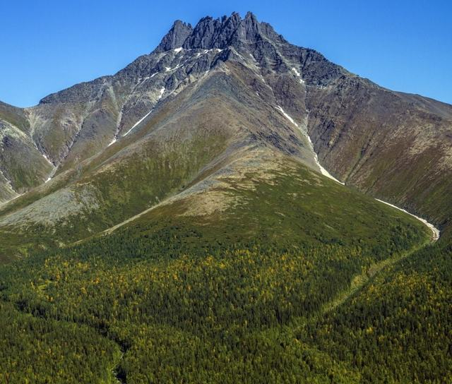 Самая высокая точка уральских гор: список больших вершин на урале
