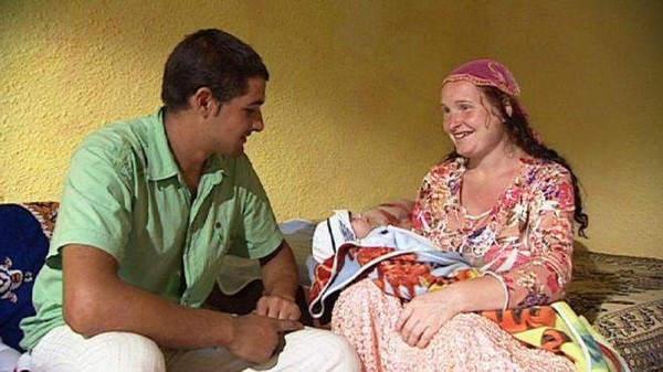 Самая молодая в мире бабушка: сколько же ей было лет?