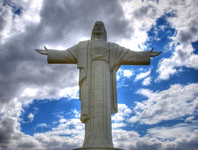 Самая большая статуя в мире: где находится и как выглядит