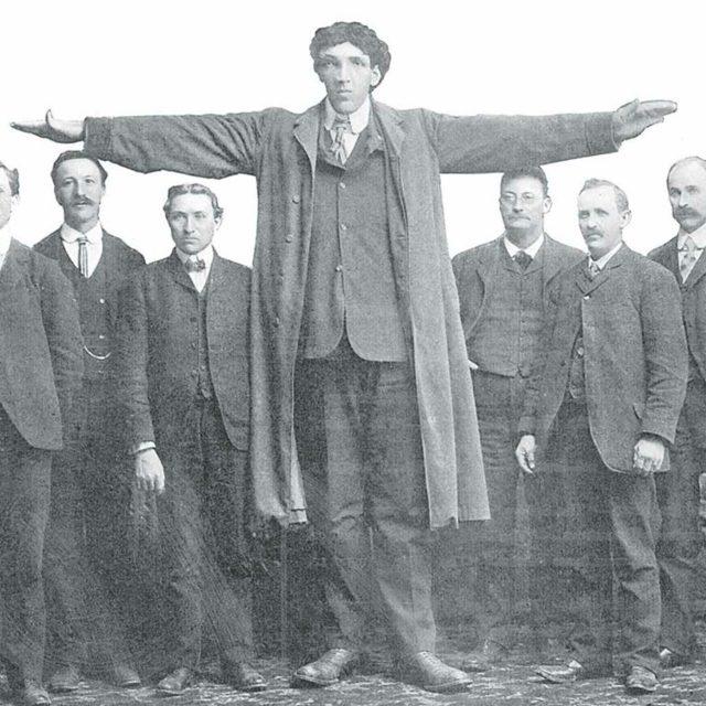 Самые большие люди в мире – как это иметь рост более 2.5 метров?