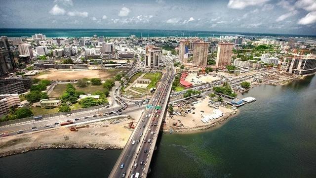 Какой самый большой город в мире по площади и населению