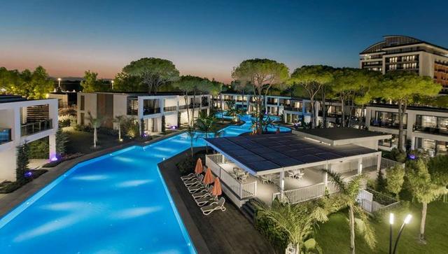 Какой самый лучший отель в турции и сколько стоит в нем жить