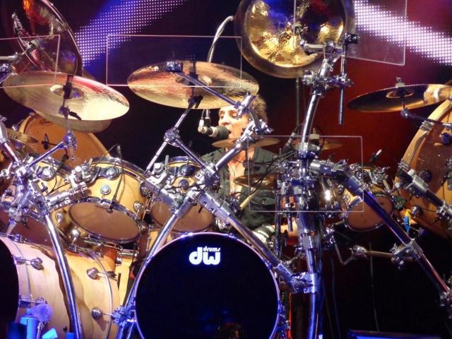 Кто самый быстрый барабанщик в мире (лучший и крутой)