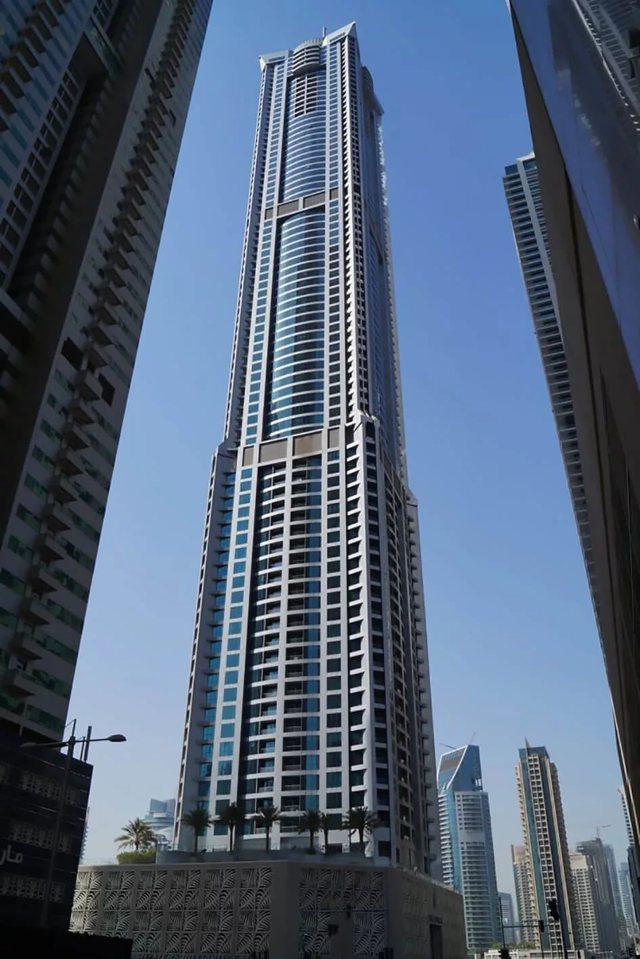 Как называется самое высокое здание в дубае?