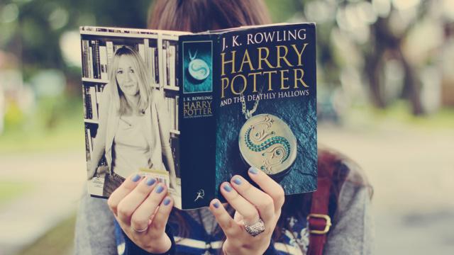 Какие самые популярные книги в мире: список лучших