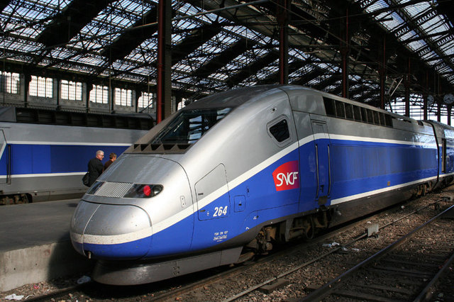 Самый быстрый в мире поезд и самый скоростной в россии